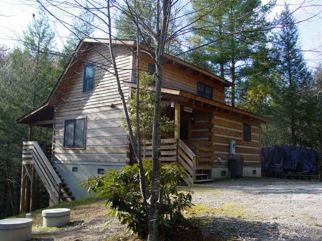 Log Cabin Vacation Rentals, Hot Tubs, Creek, Trout Stream, Fireplace, Privacy & Seclusion at Fall Creek Cabins Near Boone, NC, Blowing Rock, NC, Valle Crucis, NC, West Jefferson, NC